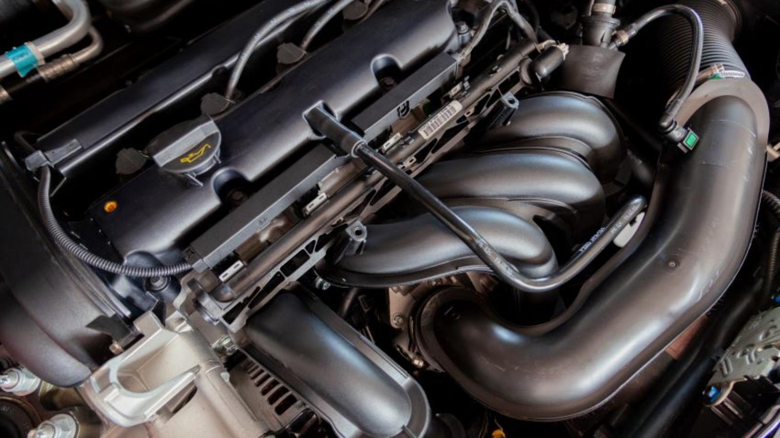 Cómo-evitar-el-sobrecalentamiento-del-motor-de-tu-coche-1